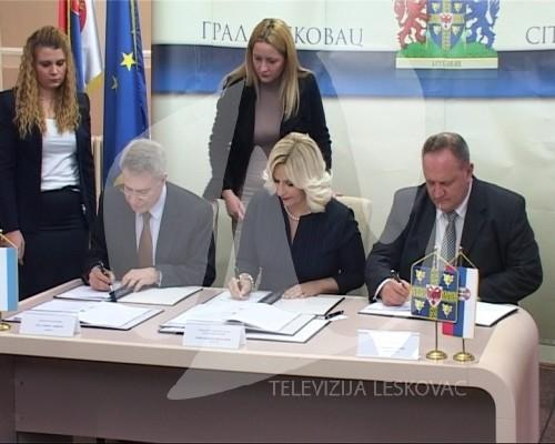 ministarka i ambasador1