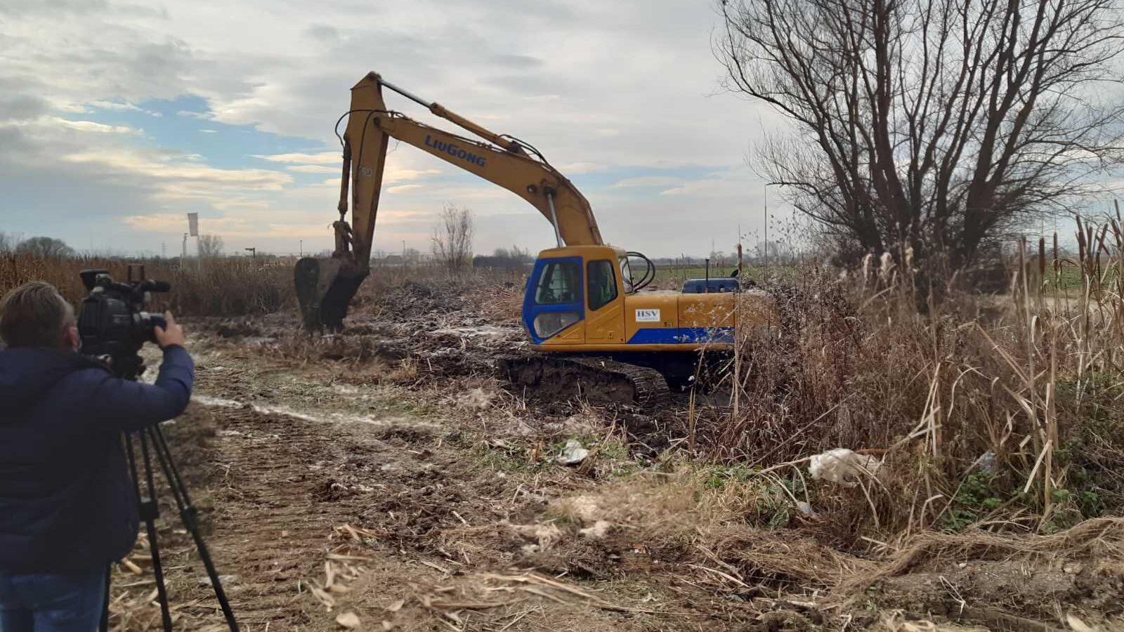 U toku radovi na uređenju napuštenog kanala u Kumarevu